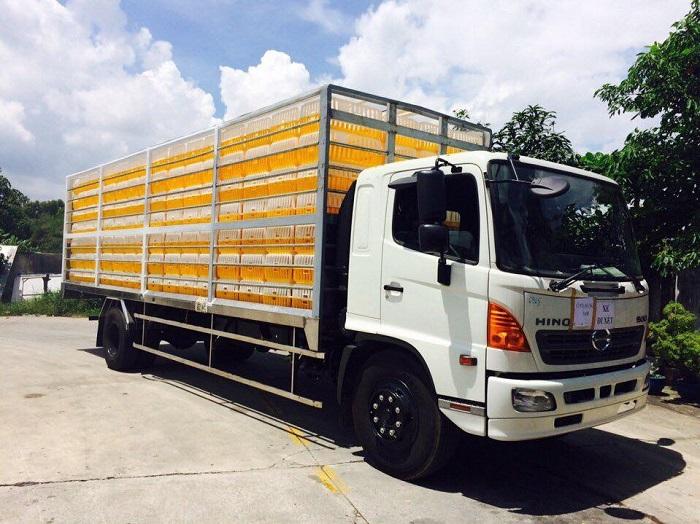 Giá xe chở gia cầm Hino FG